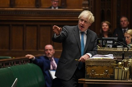 Johnson participou de sessão do parlamento hoje