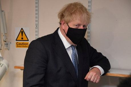 Johnson assume responsabilidade por crise