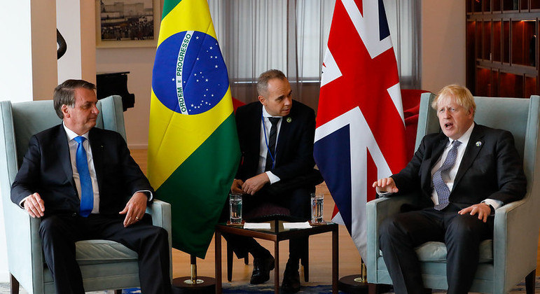 Presidente da República, Jair Bolsonaro, durante encontro com o primeiro-ministro do Reino Unido, Boris Johnson.