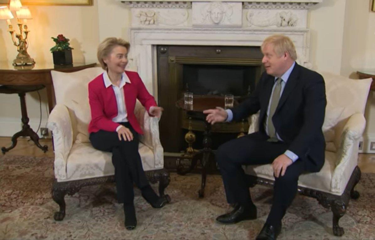 Chefe do bloco e primeiro-ministro britânico conversaram por telefone no sábado (7)
