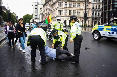 Manifestante que causou batida foi preso