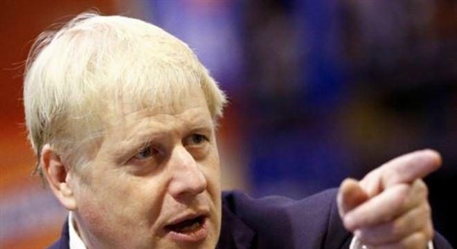 Boris Johnson testou positivo para o coronavírus e está com