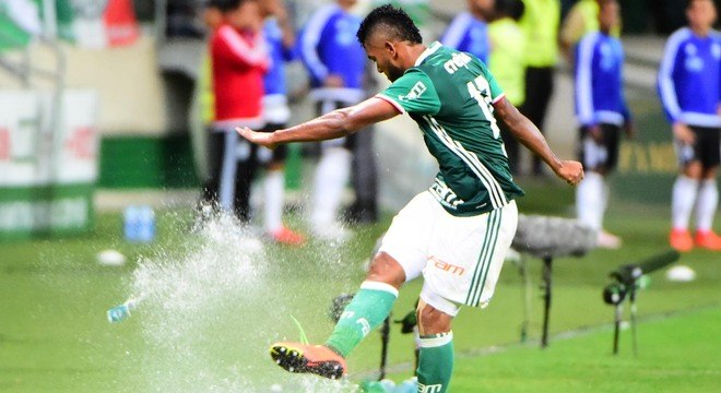 O Palmeiras se decepcionou com Borja. E Borja se decepcionou com o Palmeiras