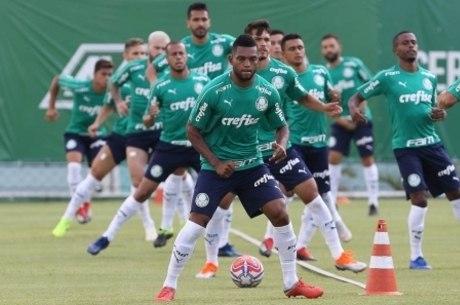 Ataque do Palmeiras tem Borja e mais oito jogadores