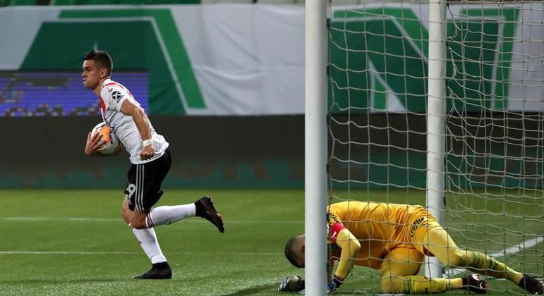 Borré comemora o segundo gol do River no jogo