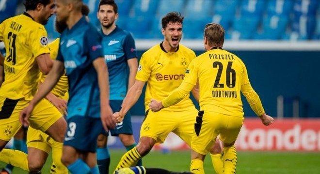 Alegria do Borussia Dortmund, em São Petersburgo