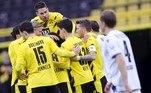 O Borussia Dortmund venceu o Arminia com facilidade por 3 a 0, com gols na segunda etapa. Sancho foi o destaque, dando assistência para o primeiro gol, marcando o segundo, de pênalti, e participando da jogada do terceiro, feito pelo brasileiro Reinier. Foi o primeiro gol do ex-flamenguista pela equipe alemã, que subiu para a quinta colocação, com um jogo a mais do que o Bayer Leverkusen