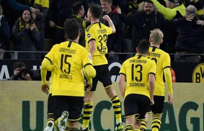Borussia Dortmund - Bürki, Meunier, Hummels, Akanji, Schmelzer; Witsel, Delaney, Raphaël Guerreiro; Messi, Sancho, Haaland. Técnico: Lucien Favre.