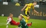 E na Alemanha, o implacável Haaland fez mais uma vítima: o Freisburg. O norueguês comandou a goleada por 4 a 0 do Borussia Dortmund e marcou duas vezes na partida. Emre Can e Passlack completaram o placar