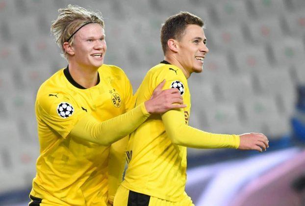 Borussia Dortmund: Thorgan Hazard (28 anos) - Posição: meia - Valor de mercado: 27 milhões de euros