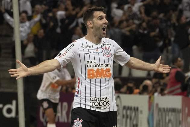 Boselli - Boselli veio ao Corinthians no começo de 2019, após boa passagem pelo Leon, do México. Em duas temporadas no clube, o centroavante disputou 72 partidas e marcou 17 gols. Não correspondeu às expectativas e sofreu com lesões.