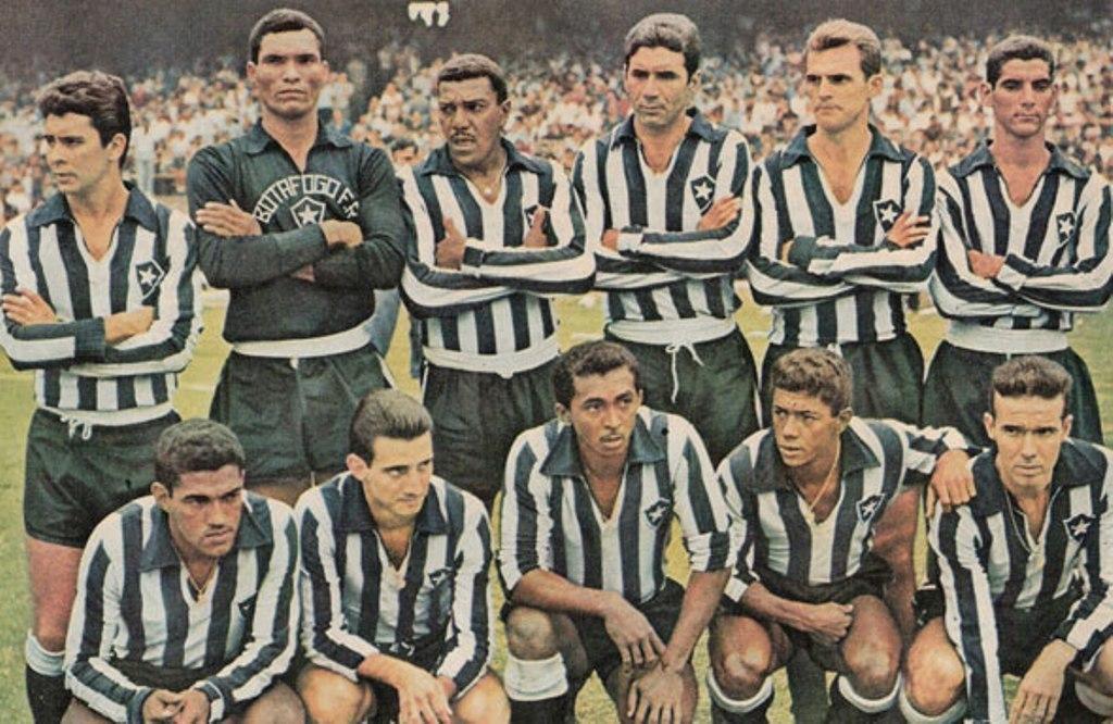 Botafogo teve jogadores fabulosos. Dirigentes conseguiram fazer do clube um bilionário devedor