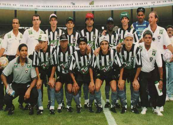 Botafogo - 2 títulos: uma Taça Brasil e um Campeonato Brasileiro