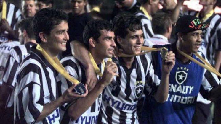 Botafogo 2 x 2 São Paulo (Rio-SP 1998): Depois de abrir o placar e levar a virada na decisão do Torneio Rio-São Paulo de 1998, contra o Tricolor Paulista, o Botafogo conseguiu o empate em 2 a 2 e o título na raça. Zé Carlos, aos 31 da segunda etapa, foi o autor do gol que garantiu a conquista alvinegra