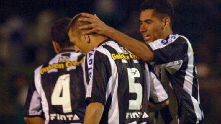 Botafogo - Campeão em 68 e 95, o Glorioso também já teve passagem pela segunda divisão ao longo de sua história. No anos de 2002, 2014 e 2020, o clube carioca foi rebaixado.