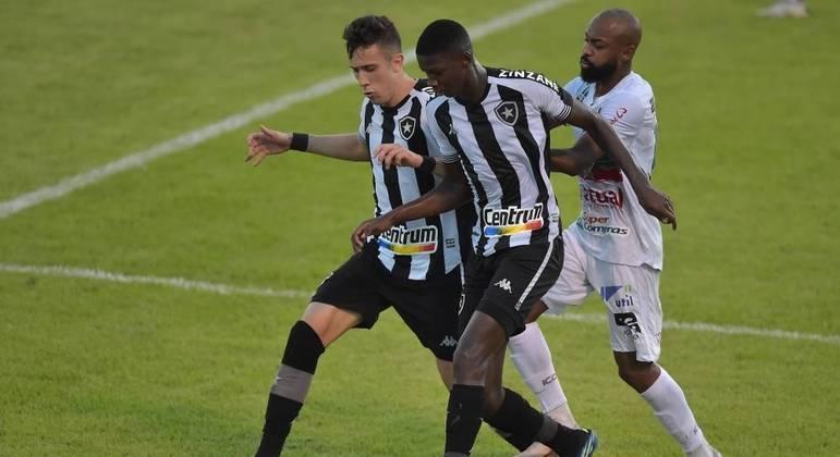 Botafogo sai na frente, mas cede empate para a Portuguesa-RJ