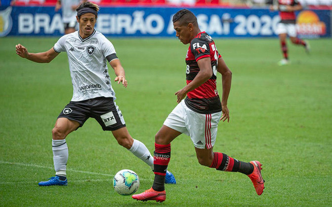 Botafogo e Flamengo se enfrentam neste sábado, às 17h (de Brasília), pela 24ª rodada do Campeonato Brasileiro 2020. O clássico é fundamental para ambos os times na competição. Veja quem pode brilhar na partida, o que está em jogo, estatísticas e muito mais.