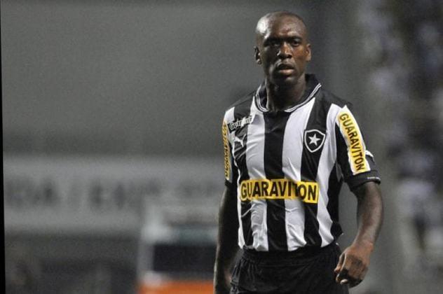 Botafogo - Gatito Fernandez; Basso, De León e Carli; Arévalo, Seedorf, Lodeiro e Honda; Herrera, Lobo Fischer e Loco Abreu. Técnico: Ramón Platero