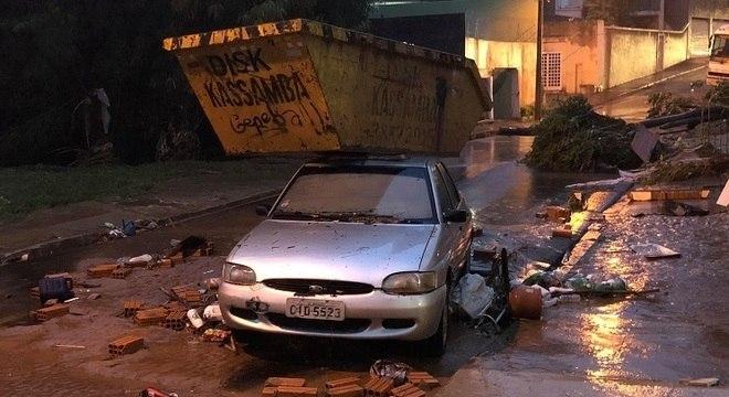 Na cidade, temporal destruiu estradas, pontes e casas