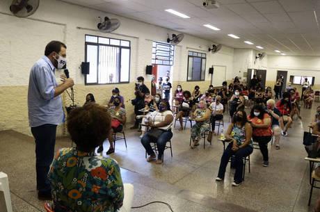 Boulos em evento com mulheres em Itaquera