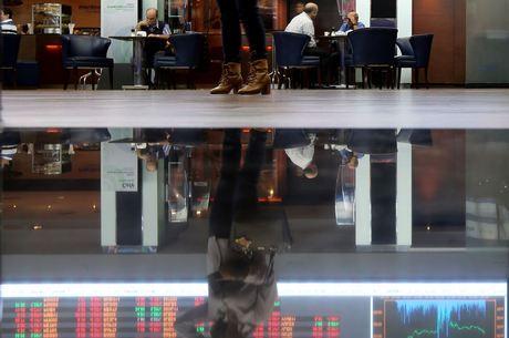 Bolsa avança 0,9%, supera 119 mil pontos e renova máxima histórica