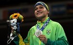 BOXE - A brasileira Bia Ferreira perdeu para a irlandesa Kellie Harrington na decisão da categoria até 60kg. A medalha de bronze ficou com a finlandesa Mira Potkonen e com a tailandesa Sudaporn Seesondee.