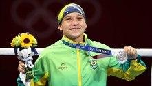 Bia Ferreira perde para irlandesa na final e é prata no boxe até 60 kg