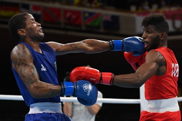 BOXE - Já Wanderson Oliveira se despediu dos Jogos Olímpicos de Tóquio sem medalha. O brasileiro foi derrotado nas quartas de final da categoria peso-leve (até 63kg) pelo cubano Andy Cruz, atual bicampeão mundial.