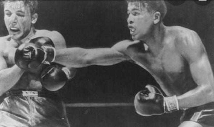 Boxe - Sugar Ray Leonard x Jake LaMotta - Sexta, 23h ESPN - Você poderá rever uma luta de dois dos dez maiores pugilistas de todos os tempos. Eles se enfrentaram cinco vezes na carreira nos anos 50 e 60. Quem curte boxe não pode perder.