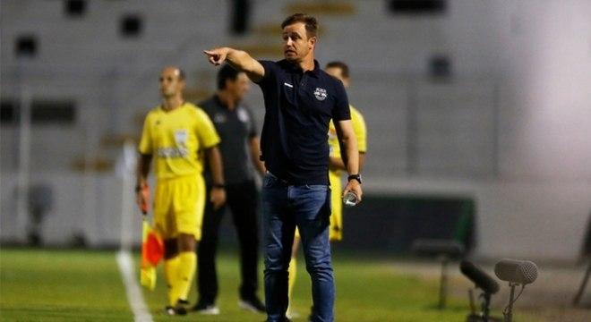 Felipe Conceição foi demitido do comando do Bragantino nesta segunda (31)