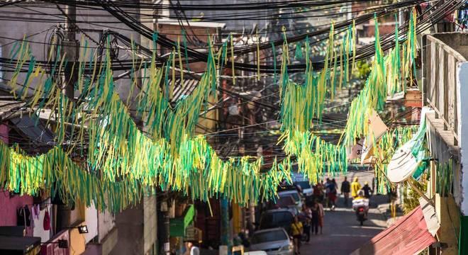 Jogo do Brasil na sexta e feriado na segunda prolongam o próximo final de  semana 066ab48f75b50