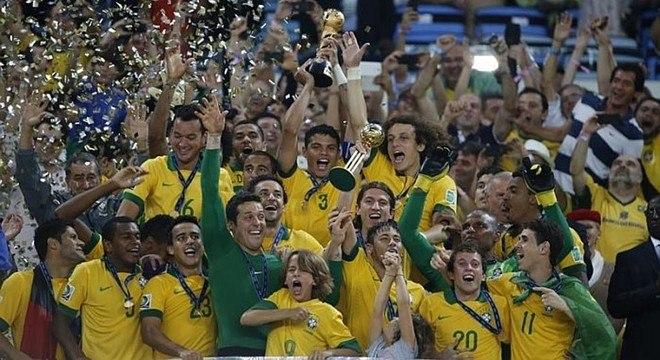 Time que iludiu todo Brasil. Em 2013, conquista da vazia Copa das Confederações