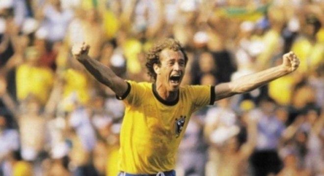 Brasil 2x3 Itália - 5/7/1982 - Falcão gol