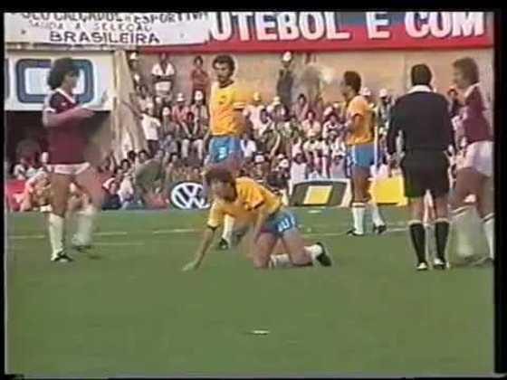 Brasil 5 x 0 Venezuela - Eliminatórias da Copa do Mundo de 1982 - Jogando no Serra Dourada,em Goiânia, a Seleção goleou novamente a Venezuela, com gols de Tita (2), Sócrates, Zico e Júnior.