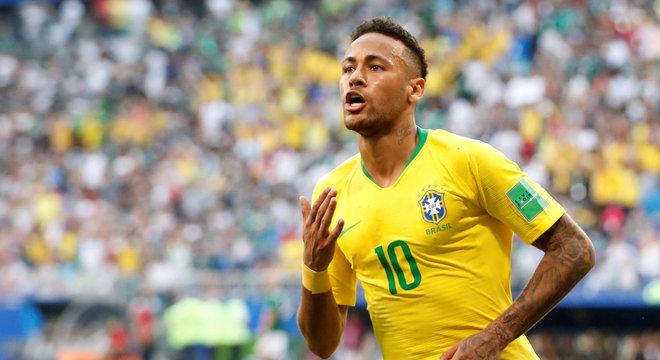 Neymar comemora gol na partida das oitavas da Copa contra o México