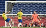 Matheus Cunha aproveitou a sobra de bola na pequena área e abriu o placar para a seleção brasileira em Yokohama