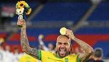 Daniel Alves, multicampeão, chega a 42 títulos com o ouro em Tóquio 2020
