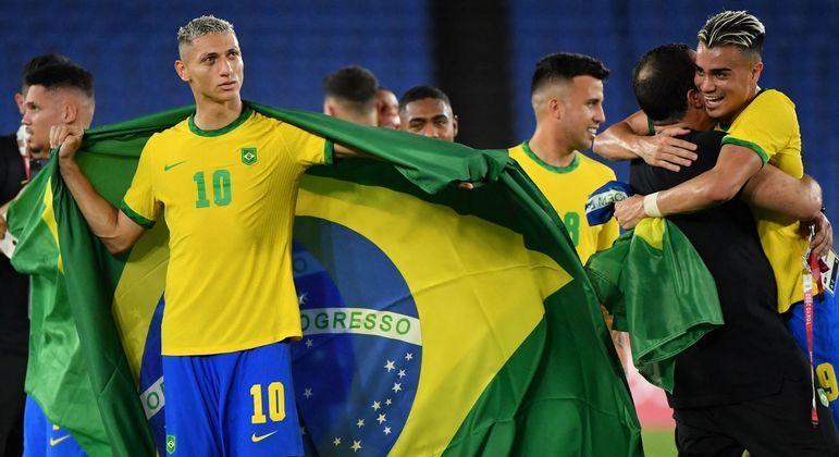 Brasil se posicionou. Ou todos os 22 jogadores receberiam as medalhas ou nenhum