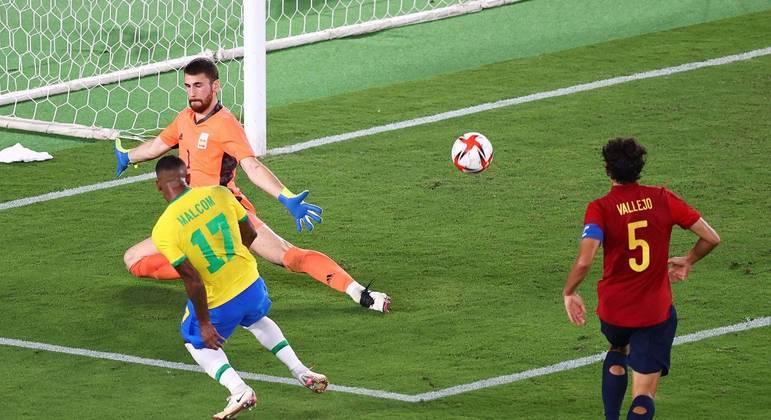 Malcom fez o gol consagrador do Brasil. Seleção bicampeã olímpica. Medalha de ouro