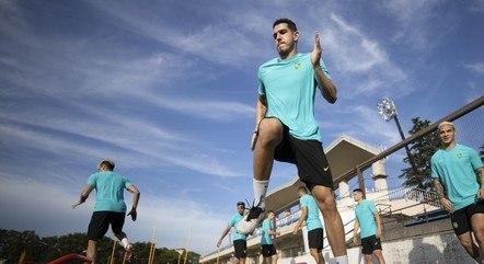 Jogadores se preparam para estreia na Olimpíada