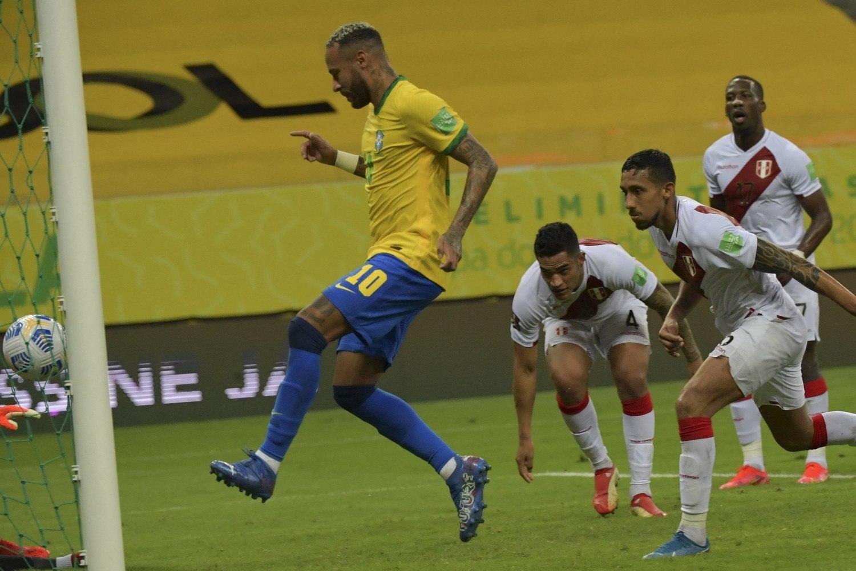 Neymar marcou um gol. Mas conseguiu tomar amarelo infantil, ser suspenso. E quer respeito