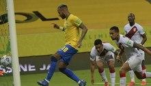 Acomodado, o Brasil não se esforçou para golear. 2 a 0 contra o fraquíssimo Peru