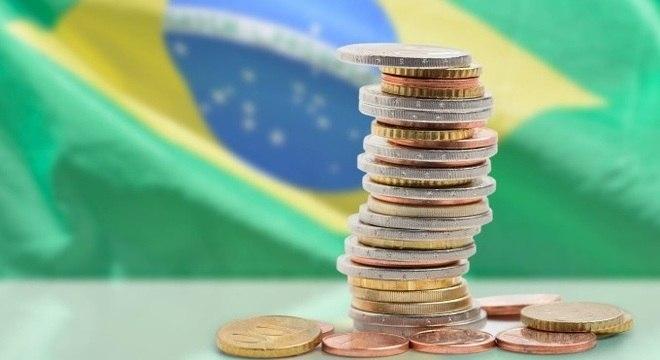 Rendimento médio real do trabalhador brasileiro em 2019 foi de R$ 2.223