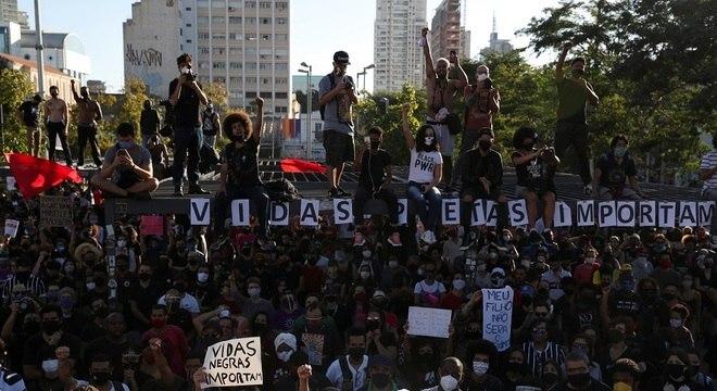 Protesto no largo da Batata, em São Paulo