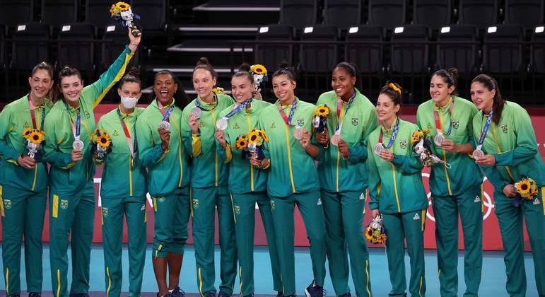 Seleção brasileira feminina de vôlei ficou com a medalha de prata nos Jogos Olímpicos