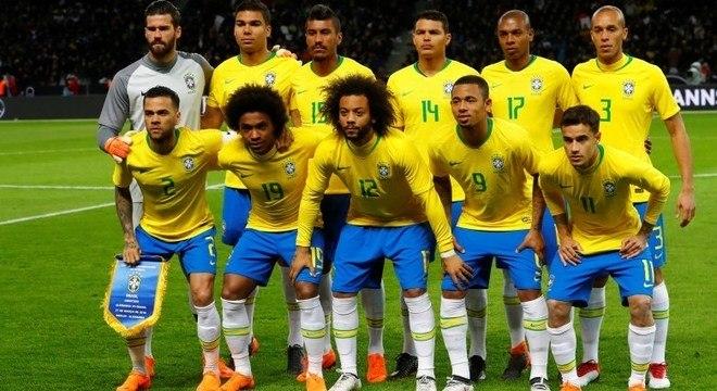 Atual seleção brasileira sonha com o hexacampeonato na Copa do Mundo de 2018 e506e0307b4c7