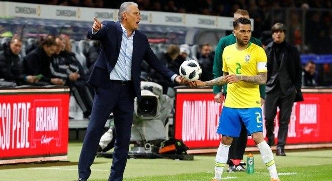 Tite valorizou a vitória do Brasil contra a Alemanha no Estádio Olímpico de  Berlim 0847006d5344f