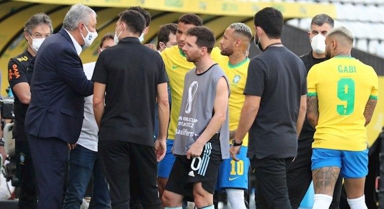 Anvisa interrompe partida entre Brasil x Argentina
