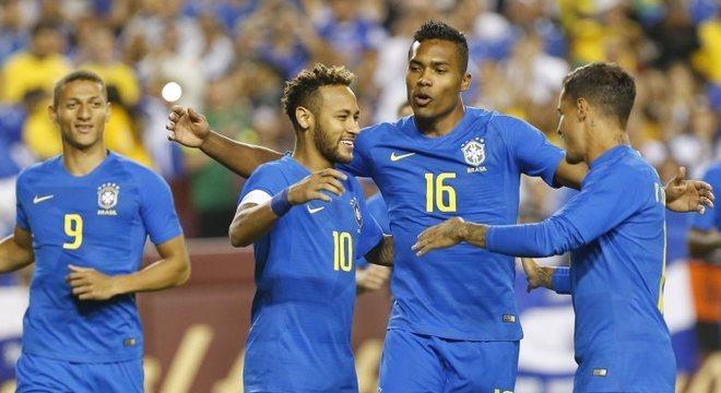 5257c95b5d Brasil goleou fraca seleção de El Salvador no segundo amistoso pós-Copa do  Mundo