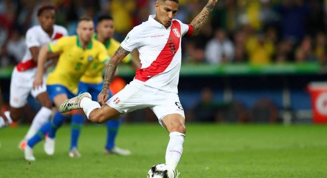 Primeiro gol que o Brasil sofreu na Copa América. Pênalti cobrado por Guerrero